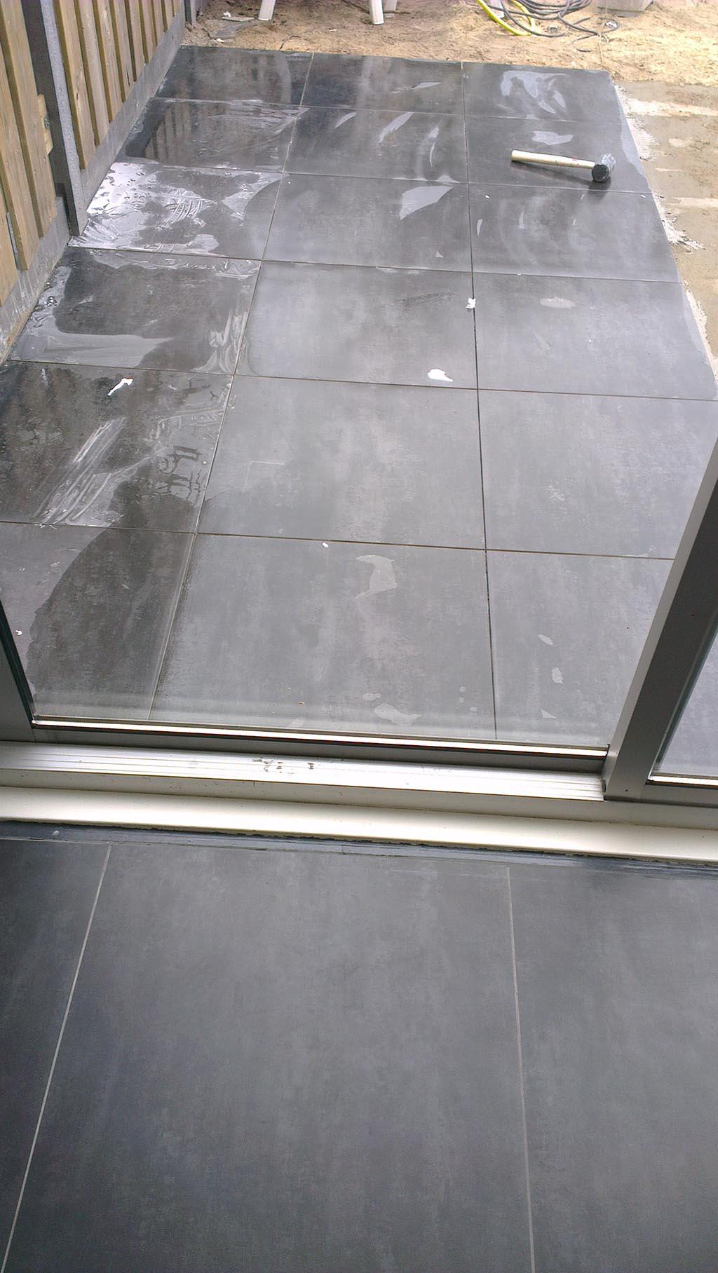 Tegels Buiten 80x80.Keramische Tegels Keramische Buitentegels Leggen