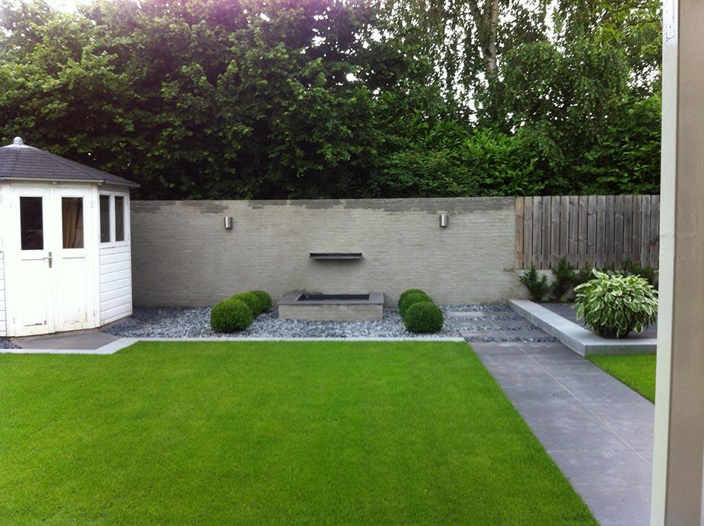 Keramische tegels renovatie complete tuin for Vijverbak groot