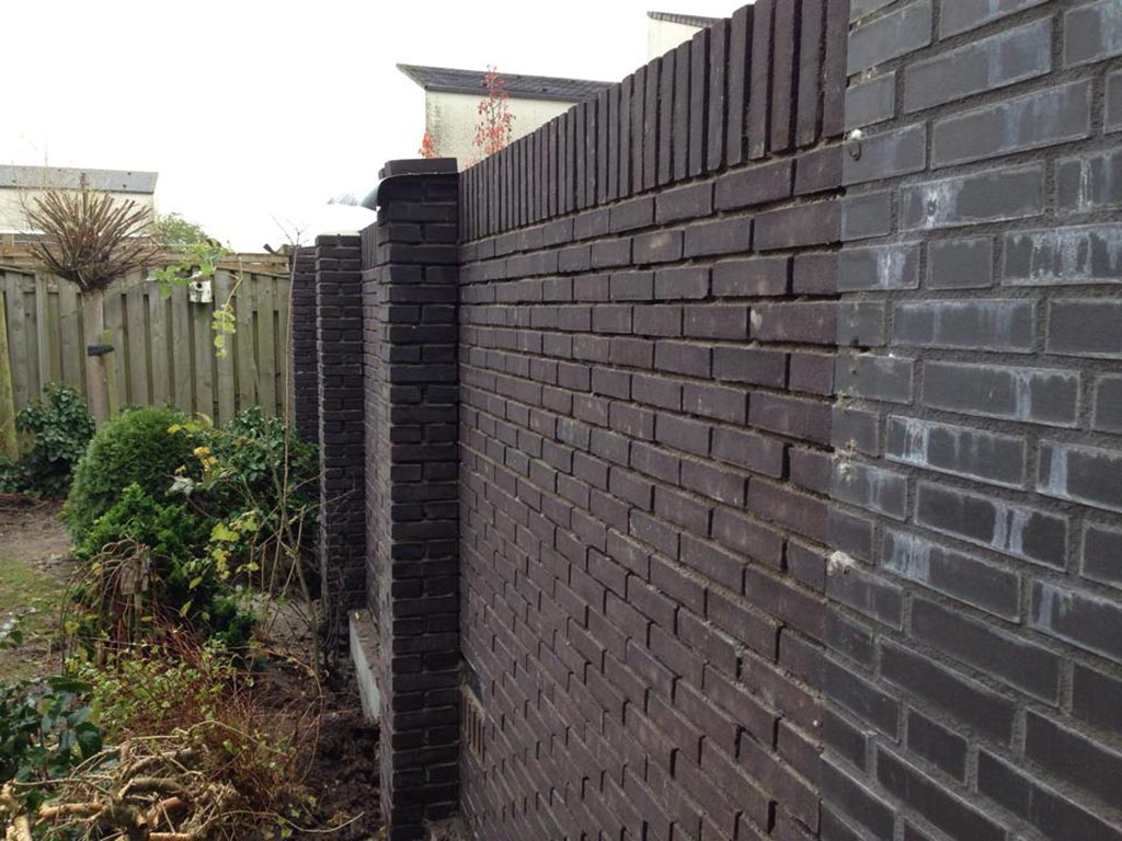 Stenen Muur Voor Tuin : ... , de muur is enkelsteens 190cm hoog met om ...