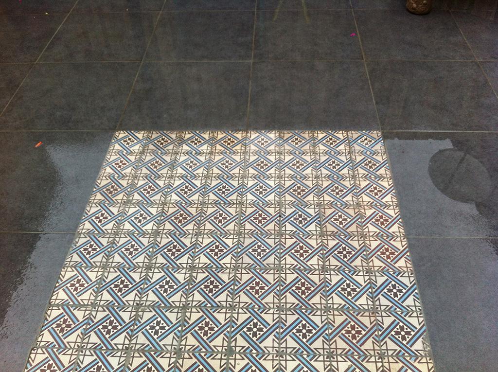 Keramische tegels keramische buitentegels leggen met mozaiek stenen - Mozaiek en tegels ...