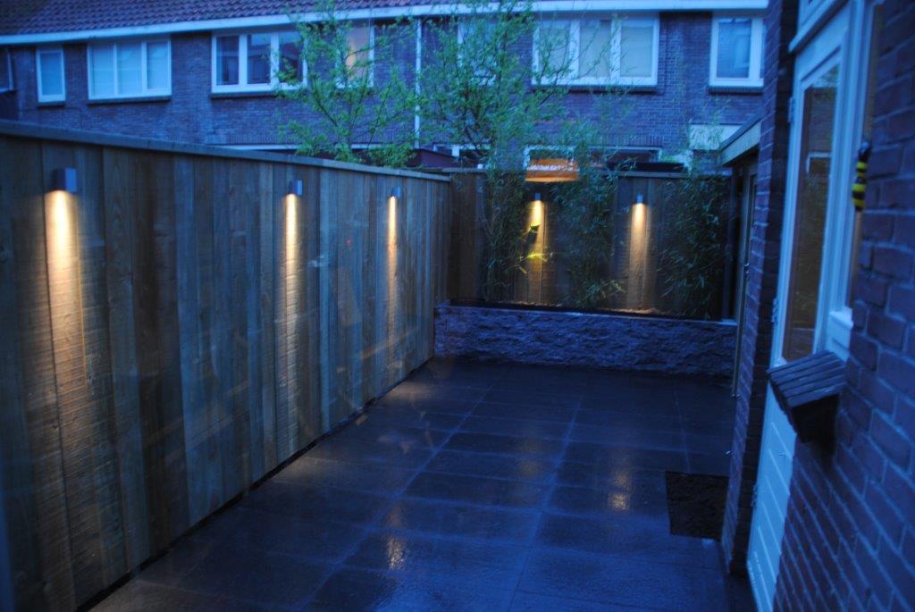 Tuinverlichting In Tegel : Keramische tegels aanleg strakke tuin in utrecht